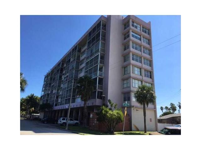 16850 S Glades Dr #4K, North Miami Beach, FL 33162