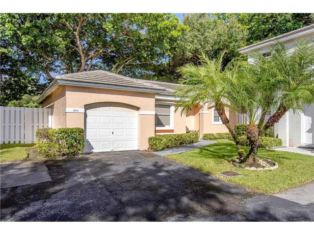 9879 NW 2nd St, Plantation, FL 33324