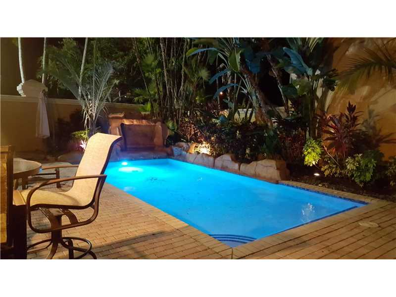 1555 Breakwater Terrace, Hollywood, FL 33019