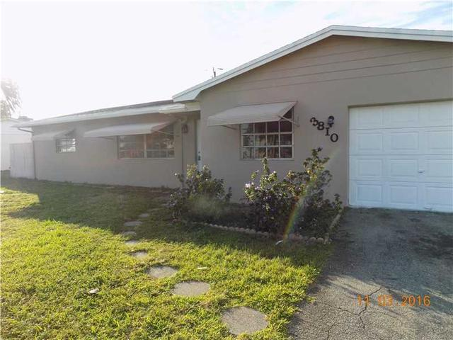3810 NW 29th St, Lauderdale Lakes, FL 33311