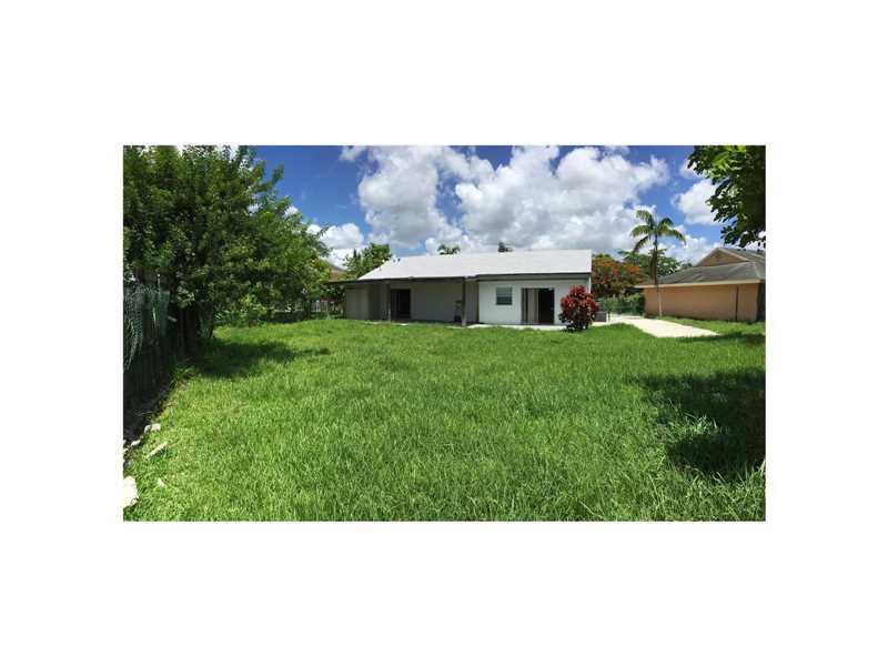 21098 SW 124th Avenue Road, Miami, FL 33177
