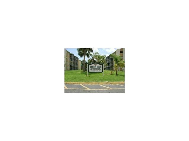 3600 NW 21st St #301, Lauderdale Lakes, FL 33311