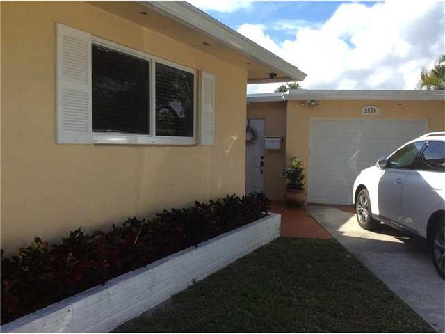 2570 NE 215th St, Miami, FL 33180