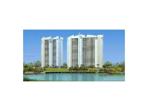 14951 Royal Oaks Ln #205, North Miami, FL 33181