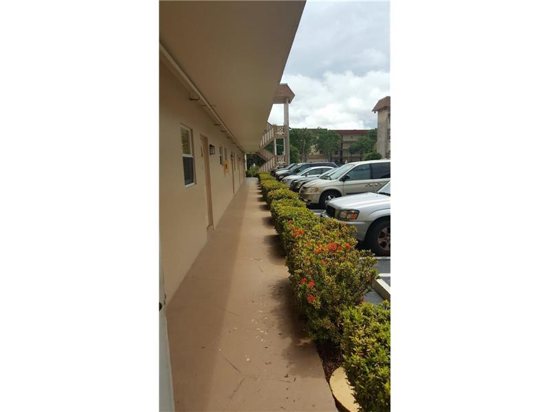 5061 W Oakland Park Boulevard #109, Lauderdale Lakes, FL 33313