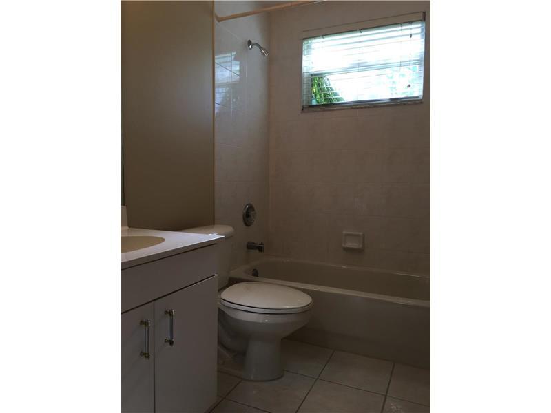 2532 Montclaire Circle, Weston, FL 33327