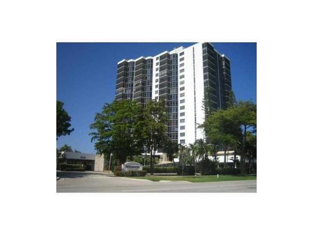 3375 N Country Club Dr #307, Aventura, FL 33180
