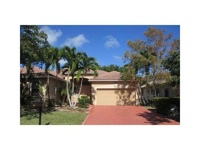 4857 NW 72nd Pl, Coconut Creek, FL 33073