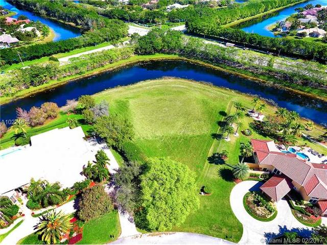 3764 Pine Lake Dr, Weston, FL 33332
