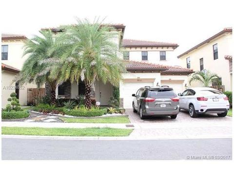 9835 NW 86th Ter, Doral, FL 33178