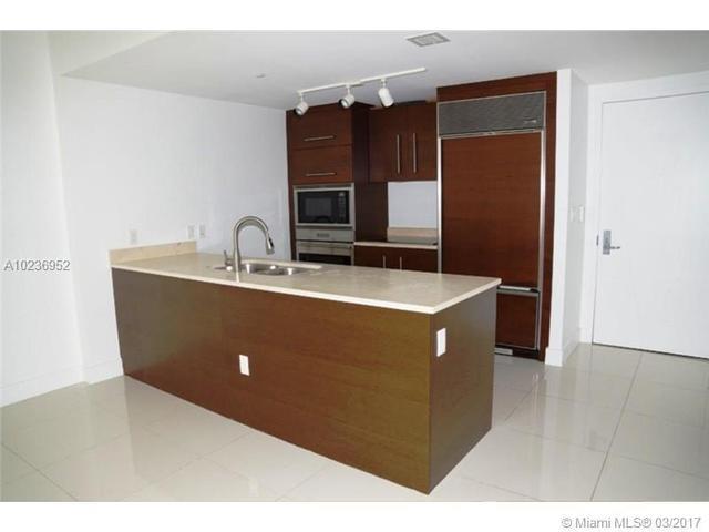 475 Brickell Ave #3111, Miami, FL 33131