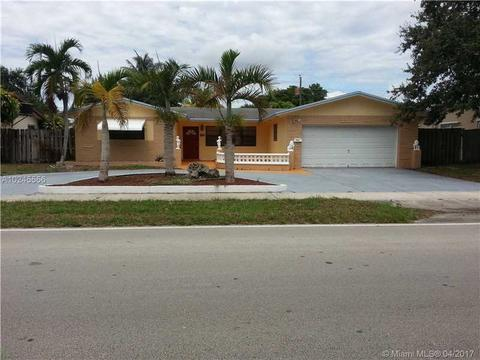 1920 N 46th Ave, Hollywood, FL 33021