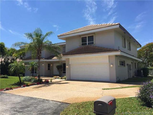 501 W Lake Dasha Dr, Plantation, FL 33324