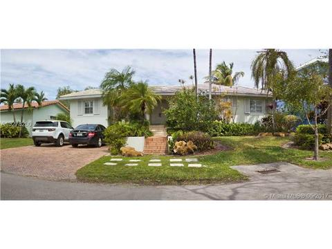 315 W Heather Dr, Key Biscayne, FL 33149