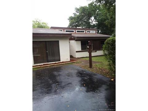 9043 SW 78th Pl, Miami, FL 33156