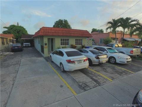 17601762 NW 6th St, Miami, FL 33125