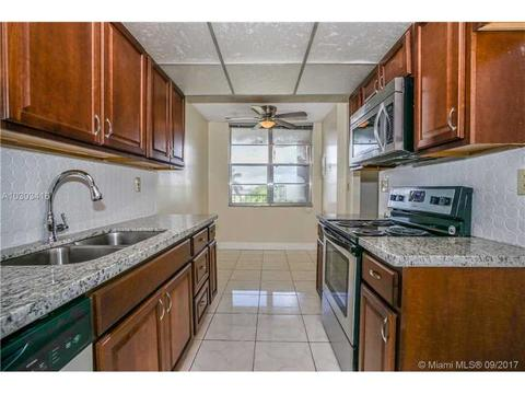 2601 NW 48th Ter #450, Lauderdale Lakes, FL 33313