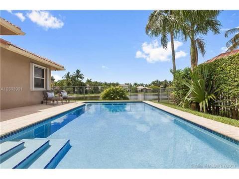 2544 Jardin Ter, Weston, FL 33327