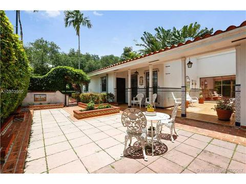 1550 S Greenway Dr, Coral Gables, FL 33134