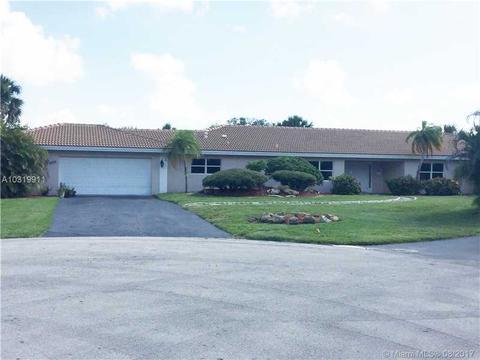 5501 Bluejack Oak Cir, Tamarac, FL 33319