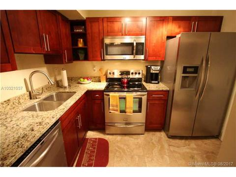 3710 NW 21st St #314, Lauderdale Lakes, FL 33311