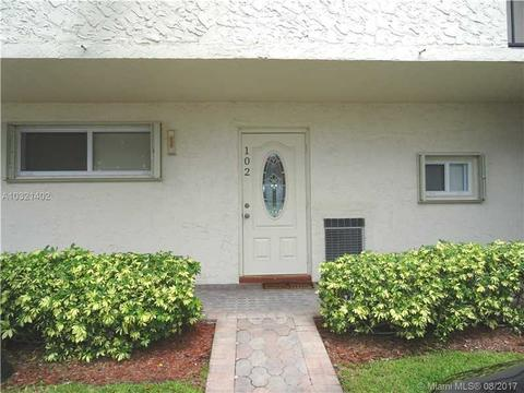 9200 N Hollybrook Lake Dr #102, Pembroke Pines, FL 33025
