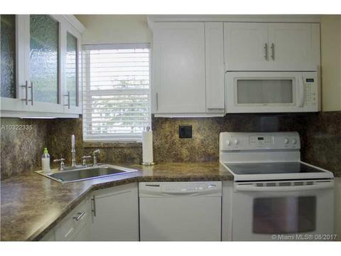 8900 Washington Blvd #317, Pembroke Pines, FL 33025