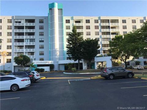 919 Hillcrest Dr #810, Hollywood, FL 33021