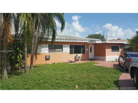 16030 Miami Dr, North Miami Beach, FL 33162