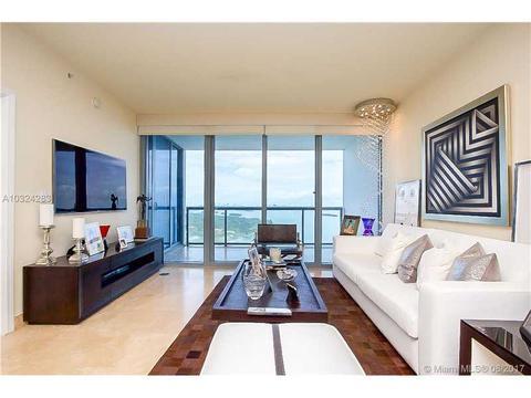 601 NE 36th St #3010, Miami, FL 33137