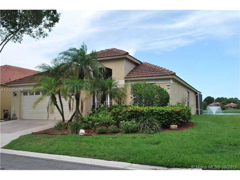 2027 Bonisle Cir, Palm Beach Gardens, FL 33418