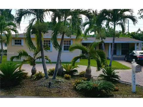 2501 NW 8th Ave, Wilton Manors, FL 33311
