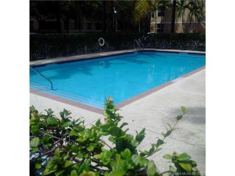 609 E Sheridan St #403, Dania Beach, FL 33004