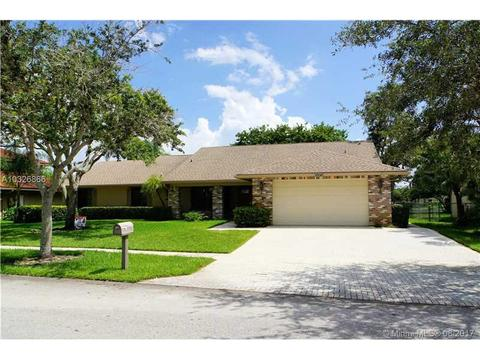 20010 NW 8th St, Pembroke Pines, FL 33029