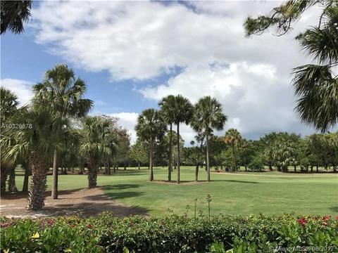 3121 N Burgundy Dr N, Palm Beach Gardens, FL 33410