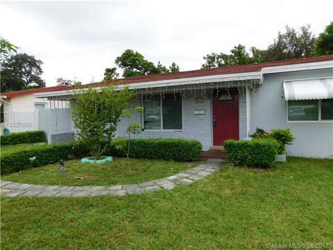 6837 SW 12th St, Pembroke Pines, FL 33023