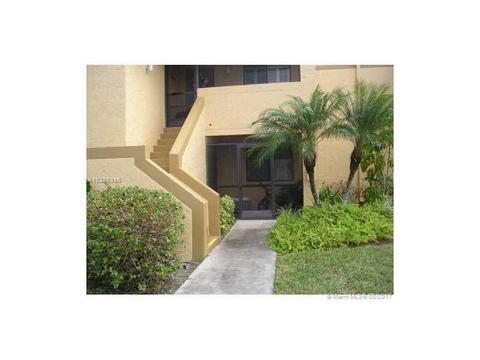153 Lakeview Dr #101, Weston, FL 33326
