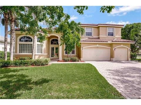 4934 Kensington Cir, Coral Springs, FL 33076