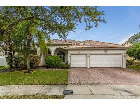 13816 NW 21st St, Pembroke Pines, FL 33028