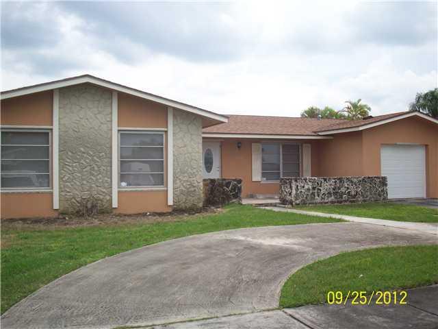 12074 SW 117 Te, Miami, FL