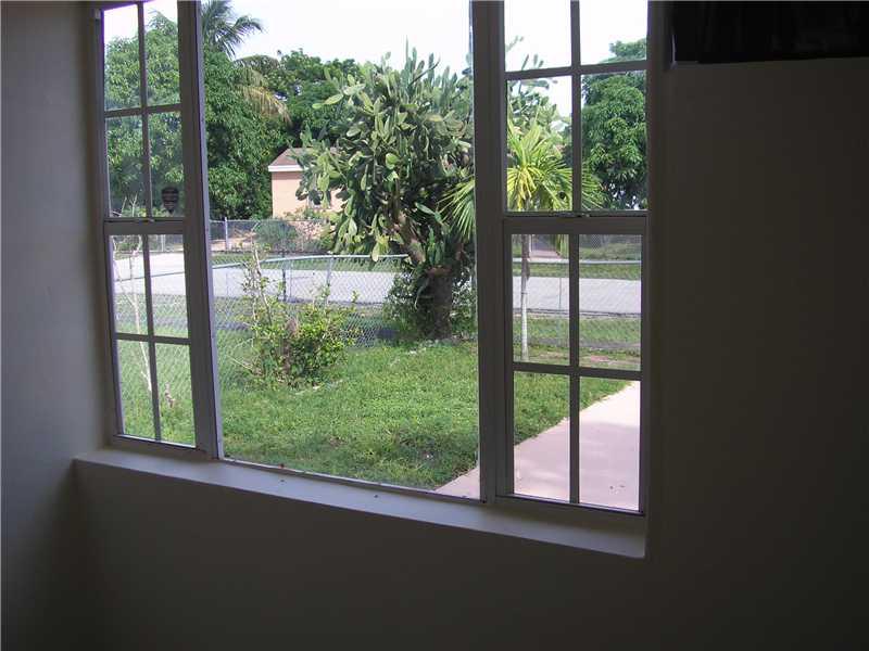 1540 NE 155 Te, Miami FL 33162