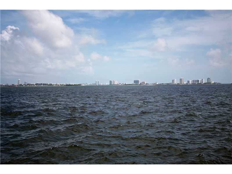 1000 Quayside Te #APT 1611, Miami FL 33138