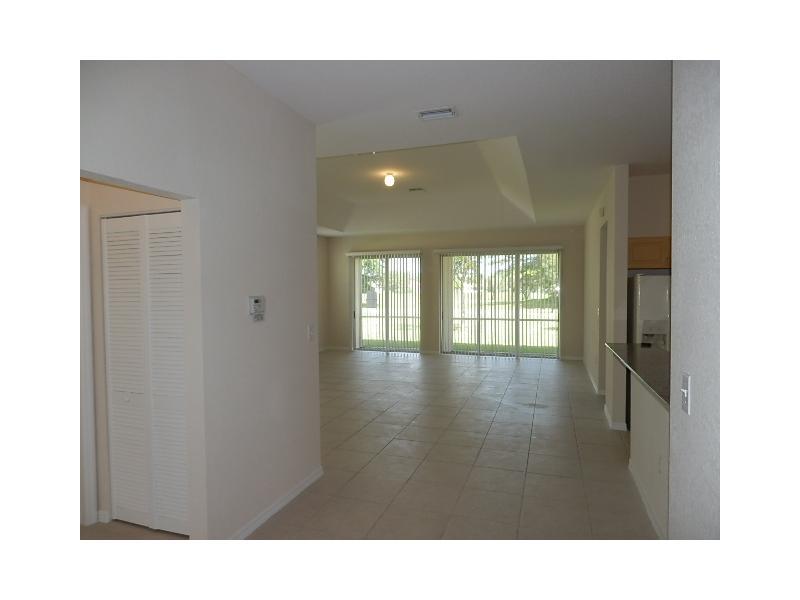 2806 Augusta Drive #20, Homestead, FL 33035
