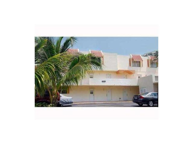 3745 NE 171 St #APT 27, North Miami Beach, FL