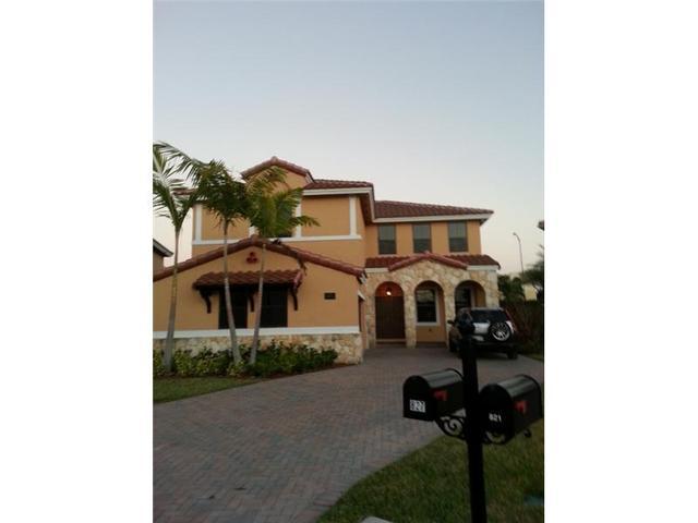 827 NW 97 Ct, Miami, FL 33172