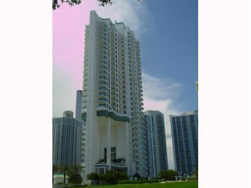 900 Brickell Key Bl #APT 2205, Miami, FL