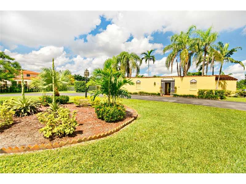 9805 SW 64 St, Miami, FL