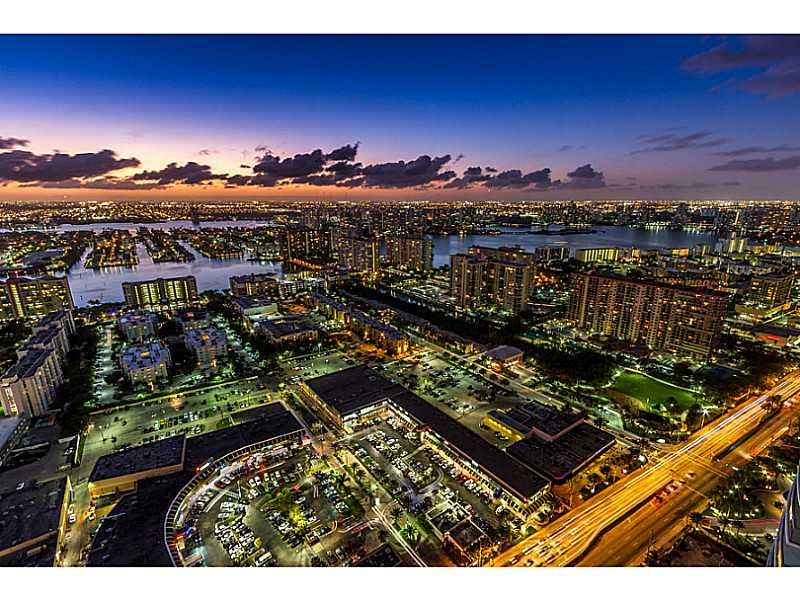 17001 Collins Ave #APT 4704, North Miami Beach, FL