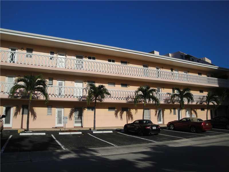 450 Golden Isles Dr #APT 1g, Hallandale, FL
