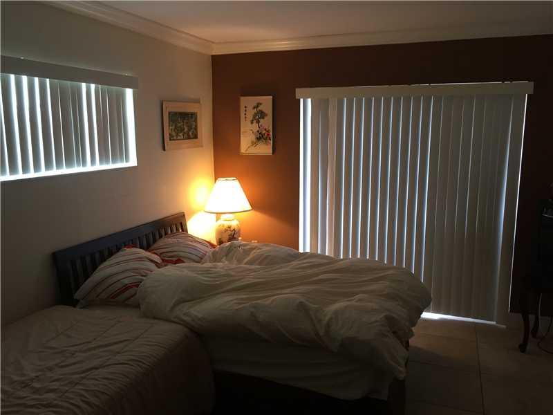 4111 Stirling Rd #APT 401, Fort Lauderdale, FL